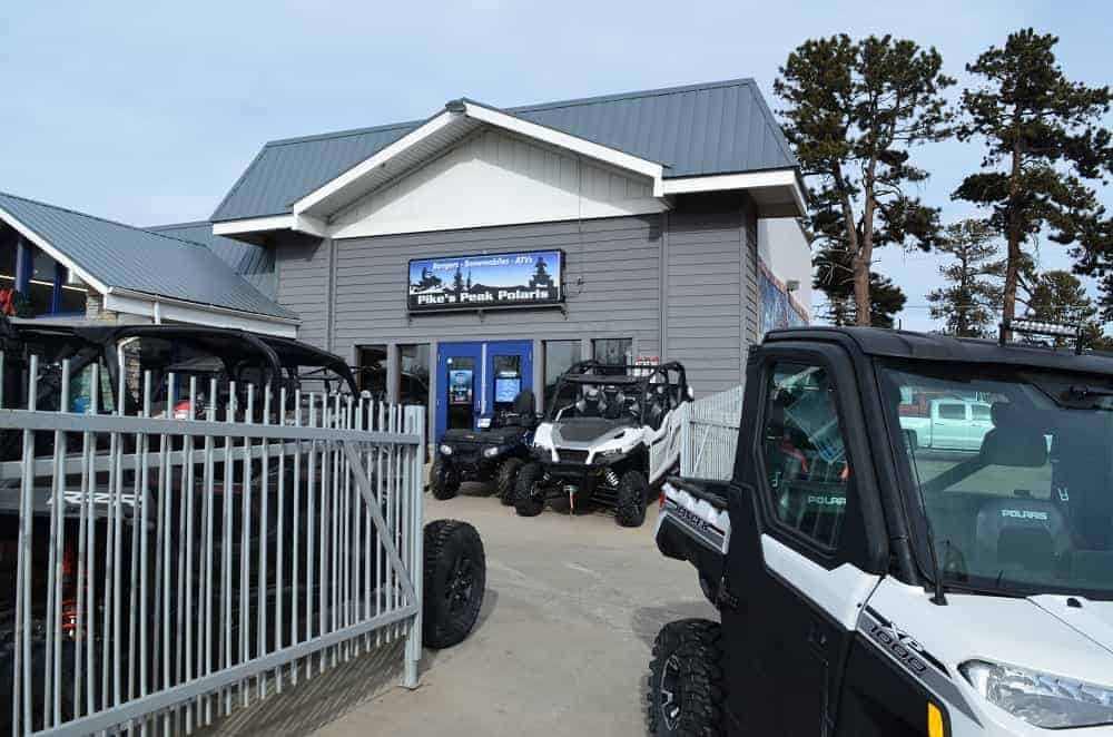 A view outside the shop to rent ATV.