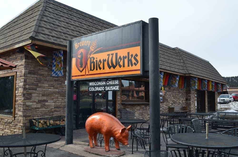 A look at the storefront of Bieworks Brewery.