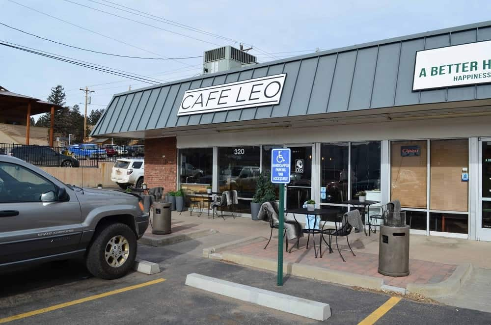 Cafe Leo is a very popular coffee shop that is beloved by both locals and tourists. They also serve breakfast and lunch alongside their specialty.