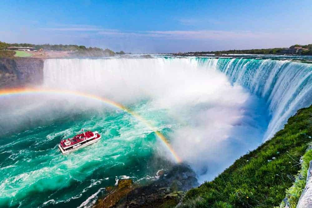 A view of Niagara Falls with rainbow.