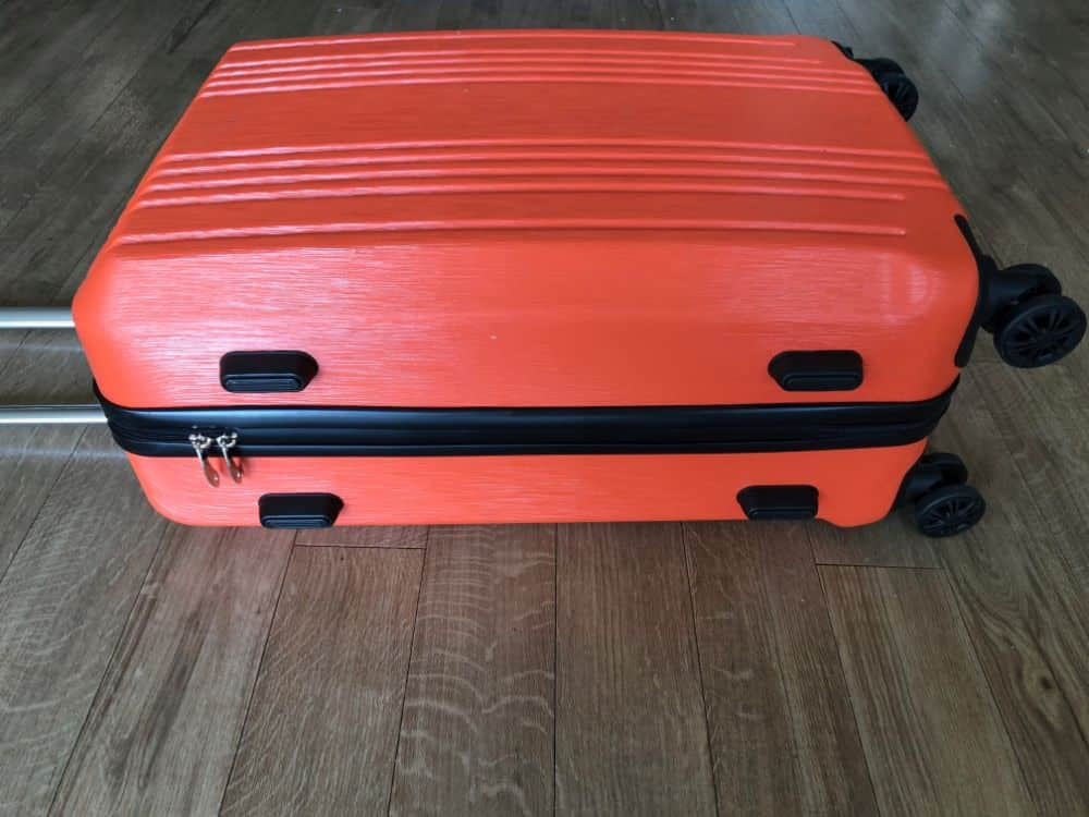 Bottom feet of the Coolife suitcase