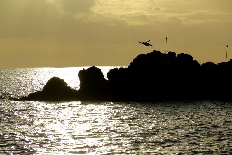 King Kahekili dives at 63 feet in Kaanapali Beach, Hawaii.