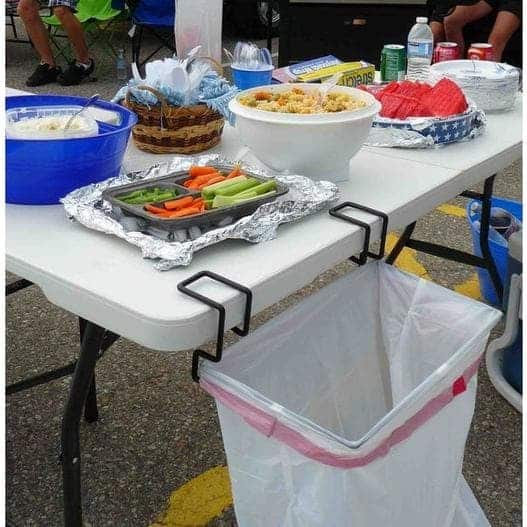 Product Trash by General RV Center used in an outdoor picnic.