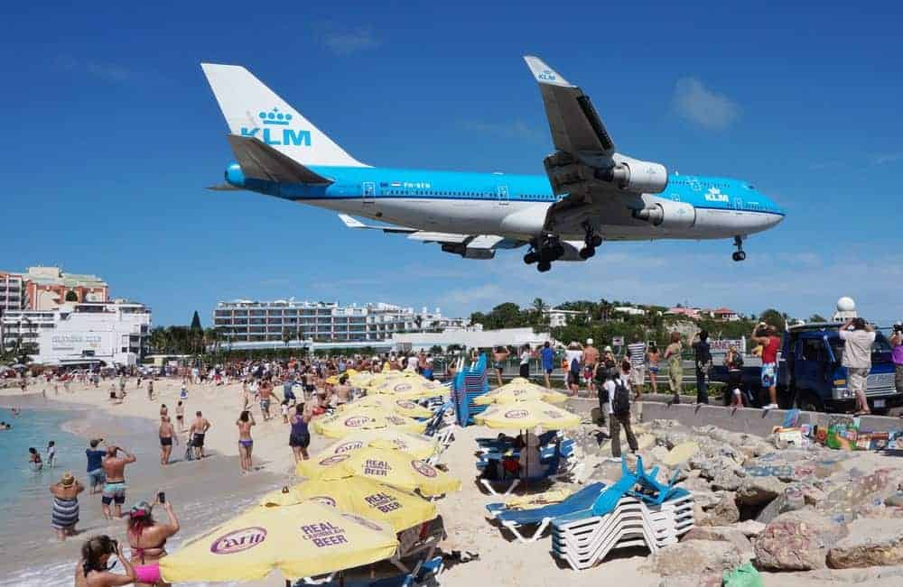 Airplane landing at the Princess Juliana Airport.