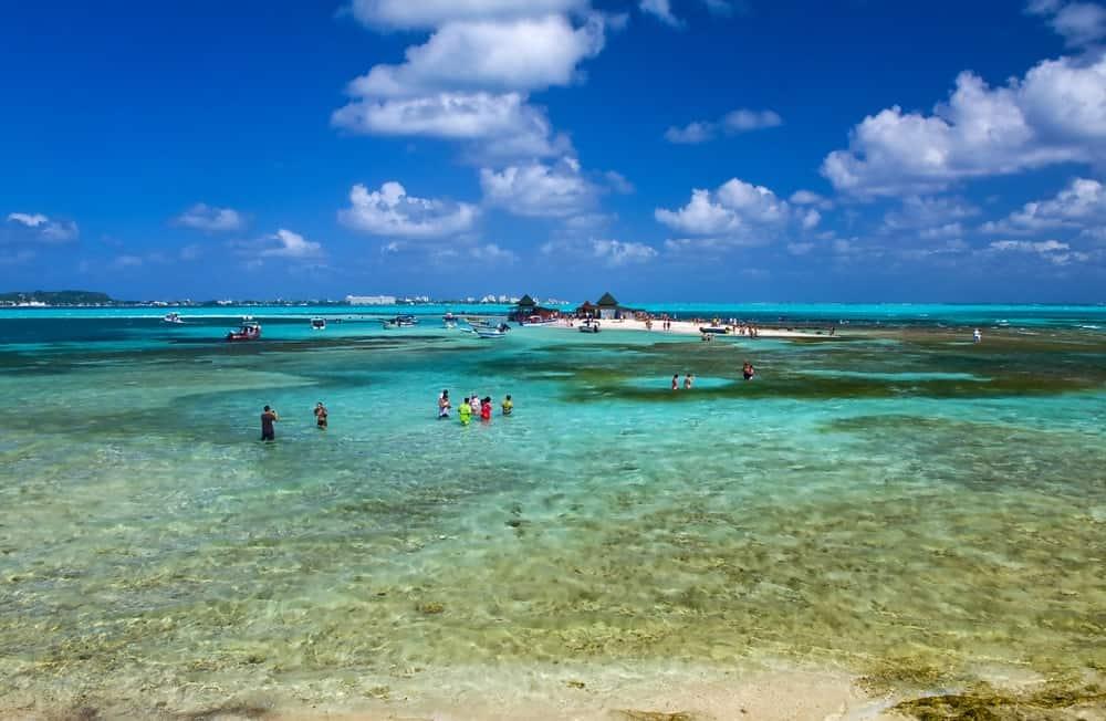 The tropical beach of San Andrés Island.