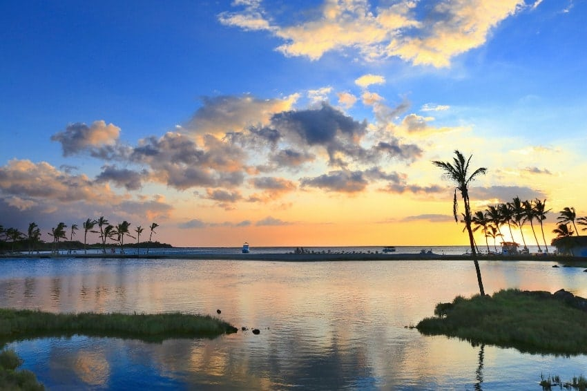 A view of Anaeho'omalu beach during a sunset at Big Island.