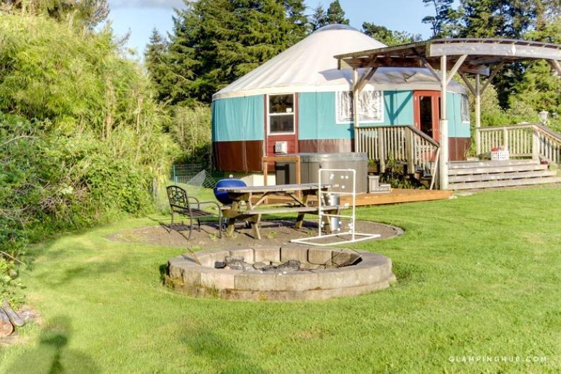 An exterior look at a unique yurt in Tillamook, Oregon.