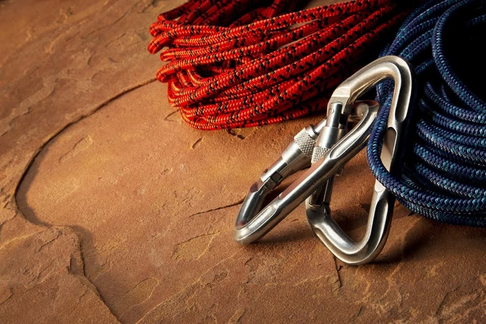 Two sets of nylon cord with carabiners.