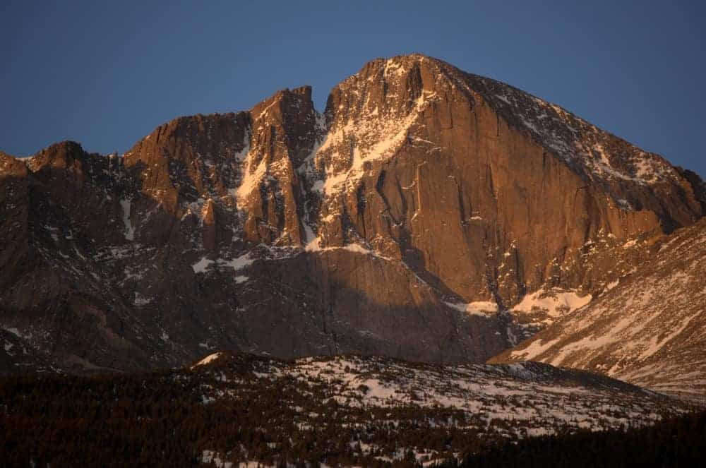 A look at the rocky mountain Longs Peak.