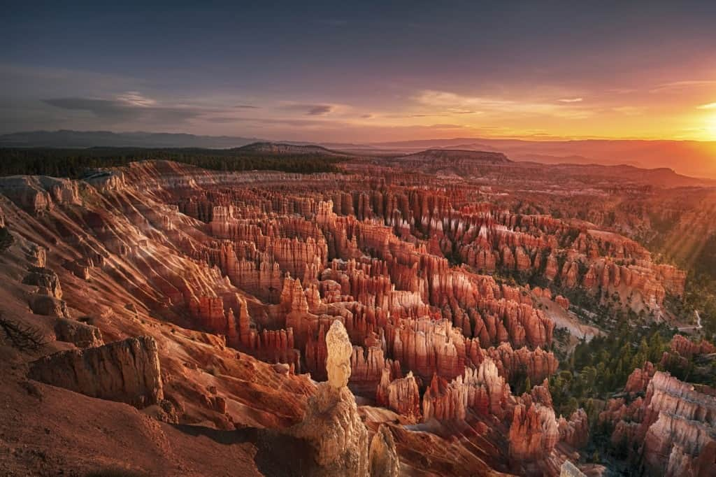 A scenic view of the sunset in Bryce Canyon National Park.