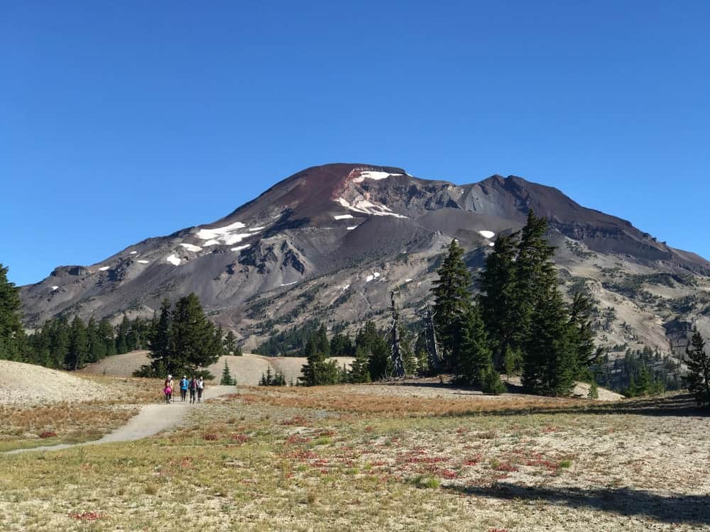 A look at the South Sister mountain from the trail leading to it.
