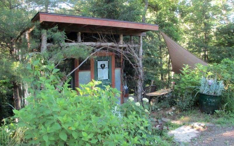 Tree house cabin in Asheville.