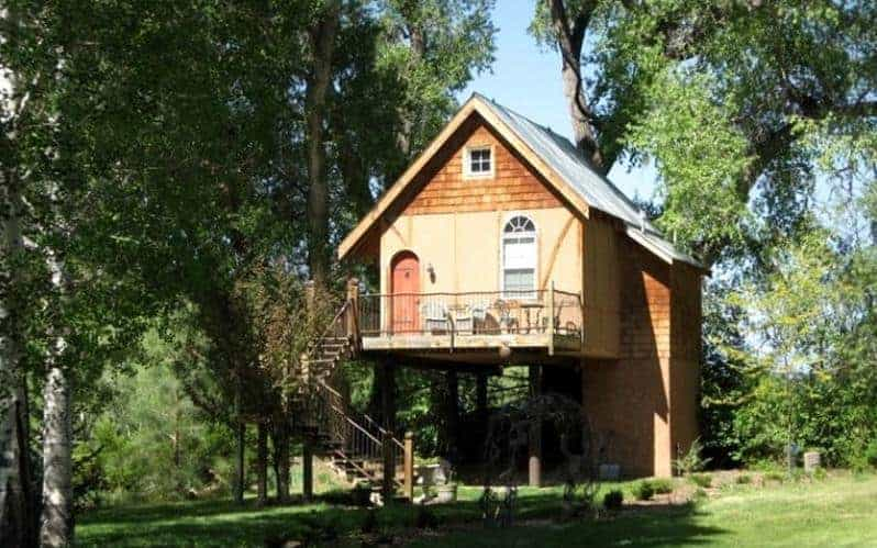 A luxurious tree house in a working farm in Taos, New Mexico.