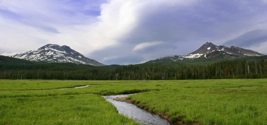 A wide view of the Central Oregon Cascade Mountain Range.